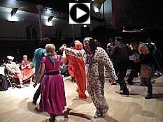 Click for video of Cylch Sicilian (Sicilian Circle) with music from Pluck & Squeeze.