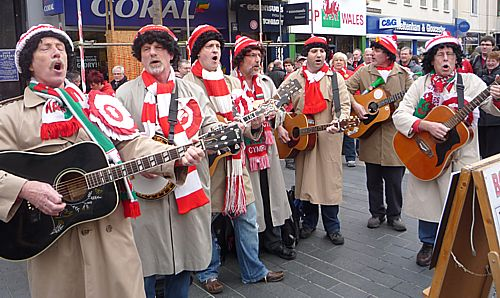 Pete, Hughie, James, Gwyn, John T, Jeremy & John W. on the Cardiff streets before the Wales - France Grand Slam.