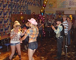 Click for barn dance pictures at Christ the King PTA.