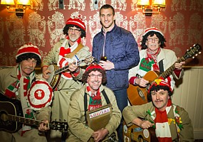Click for photos of Sam Warburton and Phil Steele at the Velindre Cancer fundraising event at the Deri Inn, Cardiff.